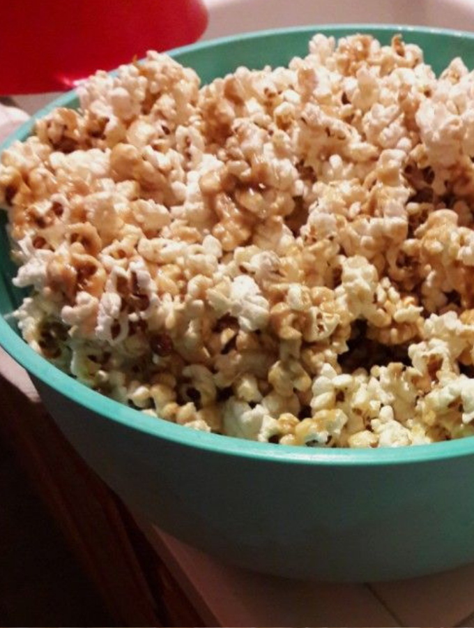 The best salted caramel popcorn recipe EVER!